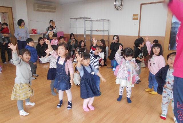 子育て支援室で活動
